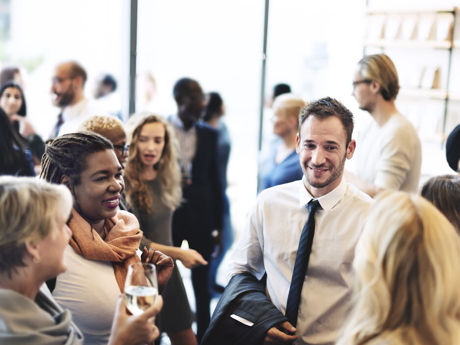 Lunch Hustle: Your Guide to Successful Networkin
